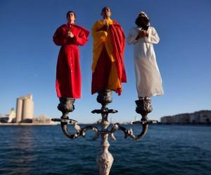 1609891-le-candelabre-aux-trois-religions